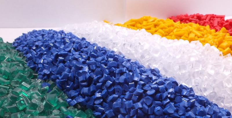 Producent przyborów szkolnych oraz elementów plastikowych